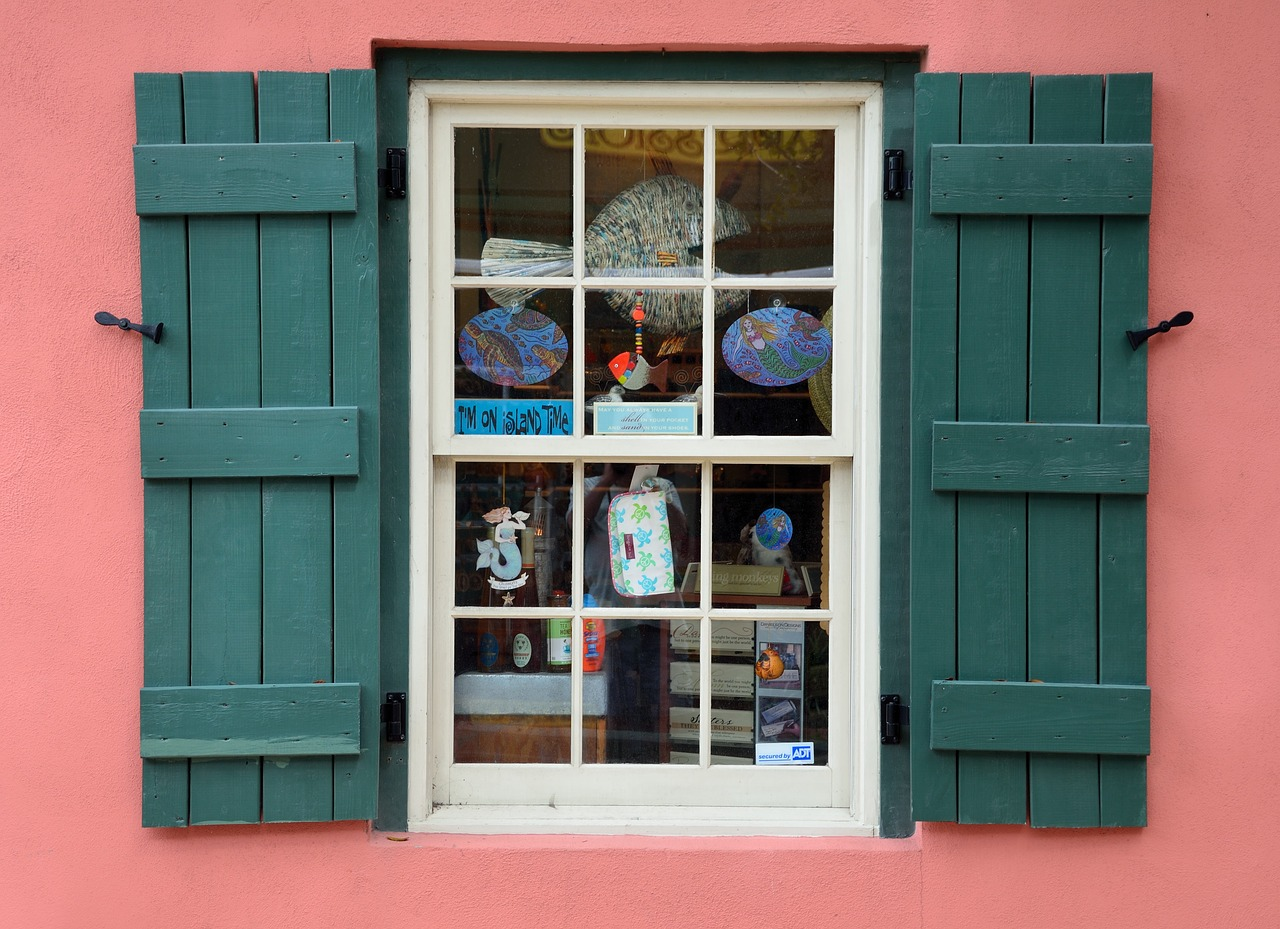 https://pixabay.com/en/old-window-store-shop-window-frame-1706131/