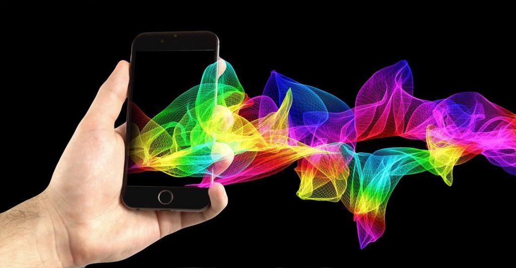 https://pixabay.com/en/mobile-phone-smartphone-hand-1419275/